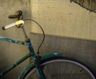 Vecchia bici arrugginita Fotografia Stock Libera da Diritti