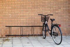 Vecchia bici a Stoccolma Immagini Stock