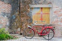 Vecchia bicicletta Fotografia Stock Libera da Diritti