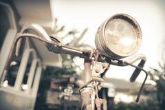 Vecchia bicicletta d'annata della ruggine Fotografia Stock