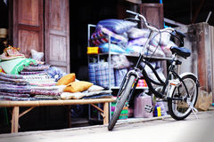 Vecchia bicicletta dell'annata Immagini Stock Libere da Diritti