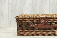 Vecchia borsa di vimini Fotografia Stock