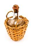 Vecchia bottiglia sigillata di vino bianco fotografia stock libera da diritti