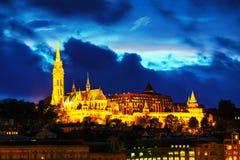 Vecchia Budapest con la chiesa di Matthias Immagini Stock Libere da Diritti