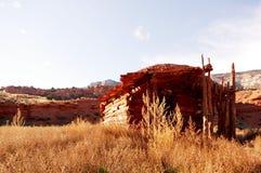 Vecchia cabina abbandonata in monumento nazionale del dinosauro Immagini Stock Libere da Diritti