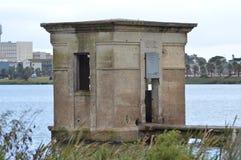 Vecchia cabina delle pompe Fotografie Stock Libere da Diritti
