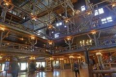 Vecchia cabina di ceppo fedele della locanda, parco nazionale di Yellowstone Fotografia Stock