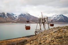 Vecchia cabina di funivia per il trasporto di carbone, le Svalbard, Norvegia Immagini Stock