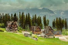 vecchia cabina di legno della capanna in montagna Immagini Stock Libere da Diritti