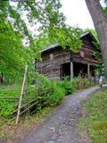 Vecchia cabina ecologica in Svezia Fotografie Stock