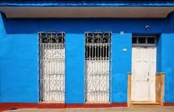 Vecchia Camera cubana tipica Fotografie Stock Libere da Diritti