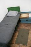 Vecchia camera da letto della culla fotografia stock libera da diritti