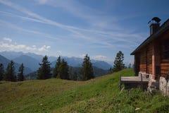 Vecchia capanna della montagna Fotografie Stock Libere da Diritti