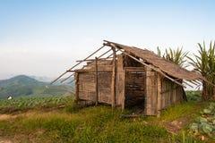 Vecchia capanna sulla montagna Fotografia Stock Libera da Diritti