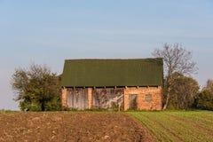 Vecchia capanna in un villaggio Immagine Stock Libera da Diritti