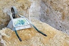 Vecchia carriola Fotografie Stock Libere da Diritti