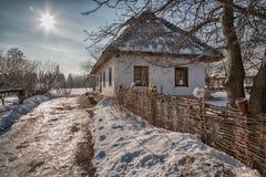 Vecchia casa al sole Fotografie Stock Libere da Diritti
