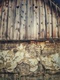 Vecchia casa con forma del cuore fotografie stock libere da diritti