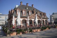 Vecchia casa del caffè nella città di Francoforte, Germania Immagine Stock