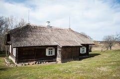 Vecchia casa del villaggio Fotografie Stock Libere da Diritti