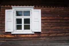 Vecchia casa del villaggio Immagini Stock