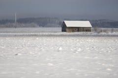 Vecchia casa dell'azienda agricola in inverno Fotografie Stock Libere da Diritti