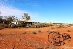Vecchia casa dell'azienda agricola nell'entroterra australiana ad ovest Immagini Stock