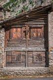 Vecchia casa della pietra e di legno, architettura alpina, la valle d'Aosta, le alpi, Italia fotografia stock libera da diritti