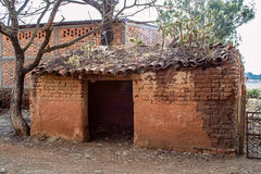 Vecchia casa di adobe Fotografie Stock Libere da Diritti