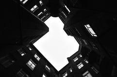 Vecchia casa di appartamento Fotografia Stock Libera da Diritti