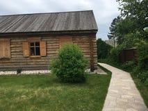 Vecchia casa di legno, che è in una posizione rurale Fotografia Stock Libera da Diritti