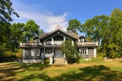Vecchia casa di legno russa Fotografia Stock