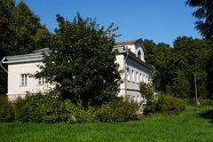 Vecchia casa di pietra bianca Fotografia Stock Libera da Diritti