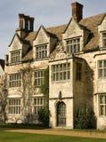 Vecchia casa di proprietà terriera inglese Immagine Stock