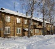 Vecchia casa due-storeyed di legno Immagine Stock