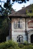 Vecchia casa frequentata Fotografia Stock Libera da Diritti