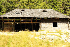 Vecchia casa in montagna Fotografie Stock Libere da Diritti