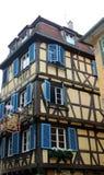 Vecchia casa nella città di Colmar fotografie stock libere da diritti