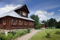 Vecchia casa russa di legno Immagini Stock Libere da Diritti