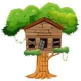 Vecchia casa sull'albero rotta Fotografie Stock