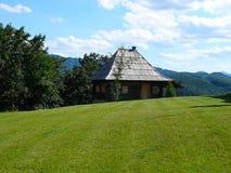 Vecchia casa tradizionale serba, Mokra Gora, Drvengrad fotografia stock libera da diritti