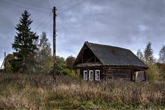 Vecchia casa in villaggio abbandonato Fotografie Stock Libere da Diritti
