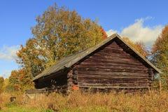 Vecchia casa in villaggio abbandonato Immagini Stock Libere da Diritti