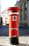 Vecchia cassetta delle lettere pubblica rossa Fotografia Stock Libera da Diritti