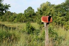 Vecchia cassetta delle lettere rurale Immagini Stock Libere da Diritti