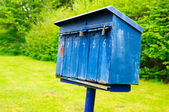 Vecchia cassetta postale blu Fotografia Stock Libera da Diritti