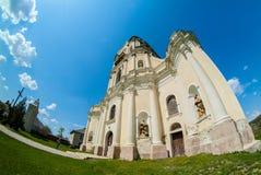 Vecchia cattedrale della trinità in vilage di Mykulynci Immagini Stock Libere da Diritti