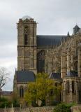 Vecchia cattedrale in primavera le Mans, vista laterale Fotografie Stock