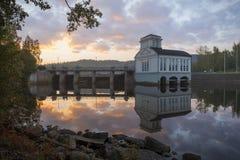 Vecchia centrale elettrica di mattina Fotografie Stock