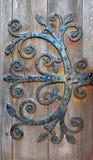Vecchia cerniera di porta fatta di acciaio in st Magnus Cathedral, Kirkwall, Scozia immagini stock